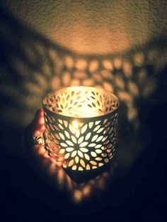 A Light in Dark Places Luxury Candles, Best Candles, Gif Fuego, Candle Lanterns, Candle Jars, Night Gif, Les Gifs, Snapchat Picture, Candle In The Wind