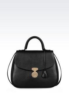 Armani Handtaschen Für sie umhängetasche aus kalbsleder Erhätlich bei armani.com - wenn Sie über www.bestcash4you.de auf die Seite gehen, erhalten Sie zusätzlich 7,2 % Cashback. Wie Sie auch bei weiteren 1600 Shops und Anbietern Cashback erhalten erfahren Sie unter www.bestcash4you.de