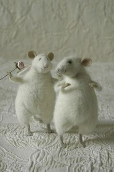 The W's: Felt toys; the unbearable cuteness of her felted creatures. . . sigh*