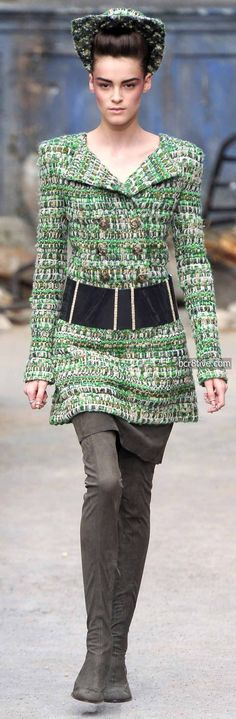 Love the layered textures! Chanel Fall Winter 2013-14 Haute Couture