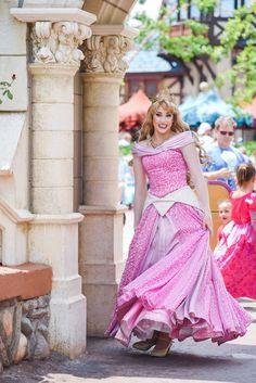 Walt Disney, Disney Cast, Disney Love, Disney Magic, Aurora Disney, Disney World Characters, Disney World Parks, Aurora Costume, Disney Costumes