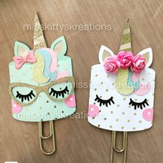 trendy Ideas for diy paper clips bookmarks ideas Bookmark Craft, Diy Bookmarks, Diy Crafts For Kids, Fun Crafts, Arts And Crafts, Kids Diy, Unicorn Birthday Parties, Unicorn Party, Unicorn Club