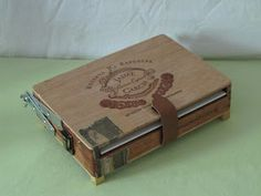 box fastened.  Stephen D'Amato - Works: A Pochade Box from a Cigar Box