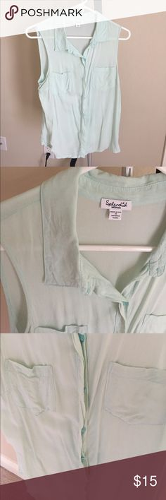 Gently worn Splendid Rayon Tank Gently worn Splendid Rayon Tank in a soft mint shade. Size is Medium and style is ST9337. Material is 100% Rayon Splendid Tops Tank Tops
