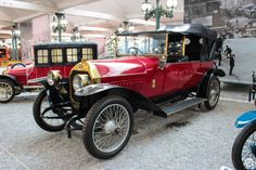#Peugeot #Type146 #Torpedo à la #Cité de l'#Automobile, Collection #Schlumpf, de #Mulhouse. Article original : http://newsdanciennes.com/2015/07/16/on-a-teste-pour-vous-la-collection-schlumpf/ #Cars #Museum #Voiture #Ancienne #Classic