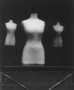 Gabriel Cualladó - Mannequin au marché aux puces, 1961