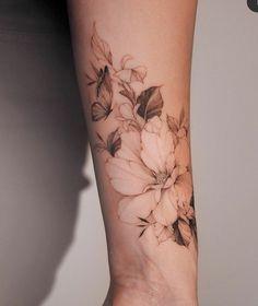 Elegant Tattoos, Beautiful Tattoos, Feminine Tattoos, Pretty Tattoos, Love Tattoos, Tattoos For Women, Mini Tattoos, Forearm Tattoos, Body Art Tattoos