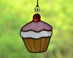 Stained glass ornament, glass cupcake, cupcake suncatcher, sweets lover decor #KamillaArt #StainedGlass #homedecor #kitchendecor #windowsdecor #cupcake