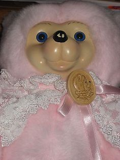 HAND SIGNED 1995 ROBERT RAIKES BEARS WOOD FACE CAMEO PINK TEDDY BEAR