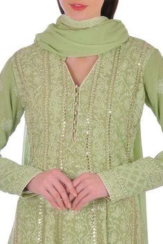 Sharara Designs, Kurta Designs Women, Kurti Neck Designs, Dress Neck Designs, Kurti Designs Party Wear, Designs For Dresses, Blouse Designs, New Style Suits, Mirror Work Blouse Design