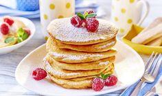 Smaczne naleśniki z budyniem biszkoptowym Kefir, Dessert, Sweets, Breakfast, Food, Pancakes Easy, Powdered Sugar, Nutritional Value, Yummy Recipes