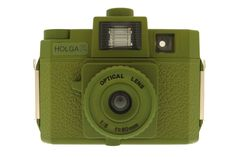 The well-known misty, soft-focused vignette images medium-format camera now takes form in a mean and green look! Its built-in Colorflash allows you to take multi-colored, psychedelic shots.
