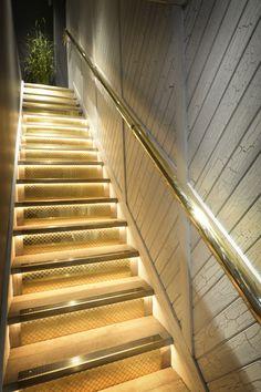 Staircase. Bouillabaisse, Mayfair. Seafood Restaurant