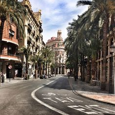 🏙🏟🏦 #valencia #erasmus #espana #spain #bank #street