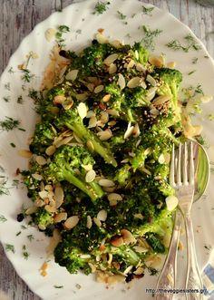 For the recipe in English click here Καλή σας ημέρα, αγαπημένοι μου φίλοι κ φίλες, κ καλό μήνα! Ξέρω, ξέρω, είδατε μπρόκολο κ στραβομουτσουνιάσατε! Σε αντίθεση με πολύ κόσμο είμαι φανατική μπροκολό… Broccoli, Vegetables, Food, Essen, Vegetable Recipes, Meals, Yemek, Veggies, Eten