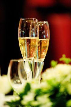 結婚式場写真「乾杯はシャンパン「ローランペリエ」で♪」 【みんなのウェディング】
