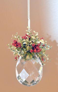 a pretty way to hang mistletoe