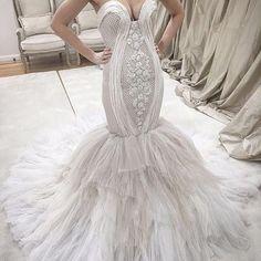 Ombré gown by @alinlekal   #sydney #sydneyharbourbridge #weddings #bridal #planner #eventplanner #stylist #bride #bridetobe #couture #dresses #create #design #makeup #beauty #boho #flowers #ceremony #weddingplanner #love #photography #weddedwonderland #gettingmarried #fashion #weddingdress #bridalblogger #jewellery  #weddingsbyyourstruly #bride2be #princess
