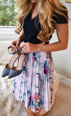#summer #outfits / pleated flower print skirt