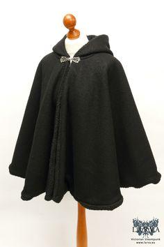 Diaphora mendica - Fur-lined cloak