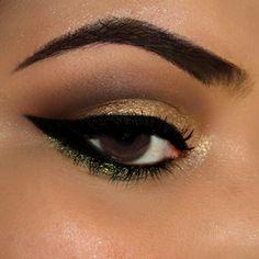 Maquiagem dourada, marrom e verde