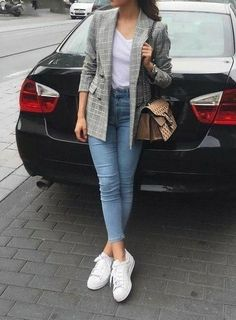 How to rock the checked blazer trend – Just Trendy Girls Best Picture For Blazer Outfit going out For Your Taste You are looking for something, and it is going to tell Blazer Outfits Casual, Blazer Outfits For Women, Outfit Jeans, Cute Casual Outfits, Semi Formal Outfits For Women, Hijab Outfit, Semi Casual Outfit Women, Winter Fashion Outfits, Look Fashion