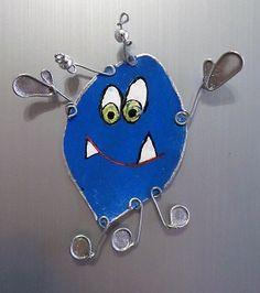 Altro alieno che non attacca, questo in blu con la forma di limone.