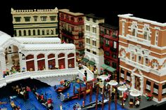 Creative way to do a cityscape - just the front, similar to a diorama.  Ponte di Rialto, via Flickr.