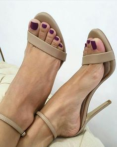 sexy toes & strappy nude heels!!