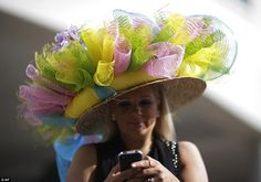 The fabulous fashion (and, most importantly, hats) of the Kentucky Derby