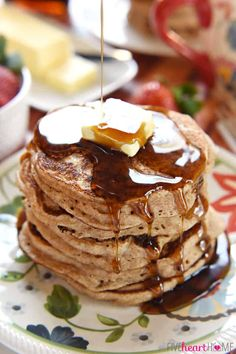 Whip up a breakfast of fluffy, homemade, whole wheat buttermilk pancakes in a matter of minutes with this all-natural Whole Wheat Pancake Mix! Easy Pancake Mix, Pancake Cake, Pancakes Easy, Buttermilk Pancakes, Clean Breakfast, Quick And Easy Breakfast, Sweet Breakfast, Breakfast Recipes, Breakfast Ideas