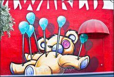 street art by erni vales Miami Street Art, Best Street Art, Amazing Street Art, Graffiti Murals, Street Art Graffiti, Arts And Crafts Supplies, Street Artists, Public Art, Urban Art