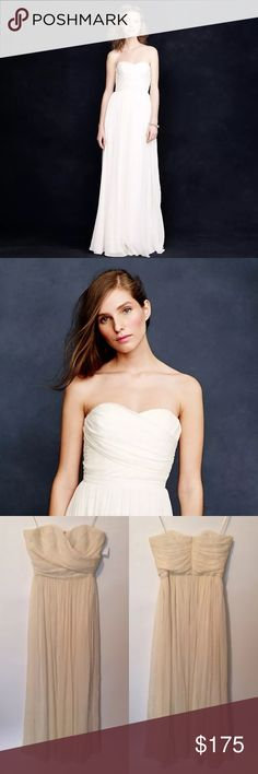 J. Crew wedding dress size 6 Arabella ivory Gorgeous J. Crew Arabella wedding dress in size 6 in off white / ivory shade - Measurements : (All measurements are taken with the item laying flat)   16' CHEST  13' WAIST   49' LENGTH   Bust of dress has a few (very small) stray threads and top of bust has a few stray threads as well. When examining we found two small marks on skirt- Dress is also wrinkled from storage - Otherwise in overall wonderful/clean condition. Snob Steals has not attempted…