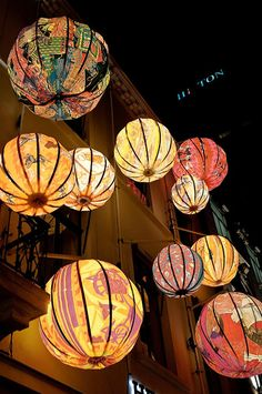 ❥ paper lanterns, papperslyktor I see beads. Chinoiserie, My New Room, Lampshades, Chandeliers, Chandelier Lamp, Balloons, Crafty, Inspiration, Home Decor