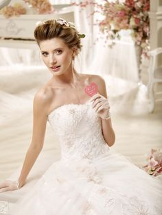 f62d30b02ee6  wedding  weddingdress  2016  collection  bride  bridal  brides  fashion   love  white  sposa  abitodasposa  bianco  marriage  flowers  pink