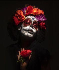 Mexico Day Of The Dead, Day Of The Dead Art, Sugar Scull, Sugar Skull Art, Halloween Photos, Halloween Makeup, Art Of Dan, Goofy Disney, Wicca