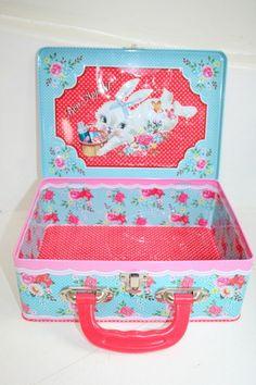 Dumpling Dynasty by Fiona Hewitt little deer lunch box