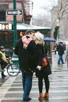 Cold weather kisses || Maria Vicencio Photography