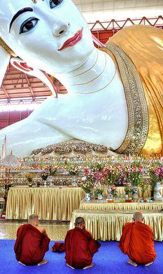 Reclining Buddha Myanmar