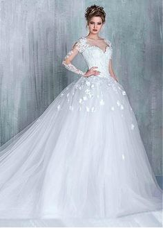 Junoesque Tulle Bateau Neckline Ball Gown Wedding Dresses With Lace Appliques