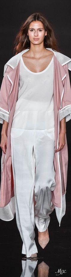 Spring 2016 Ready-to-Wear Valentin Yudashkin women fashion outfit clothing style apparel @roressclothes closet ideas
