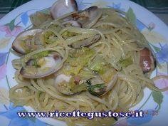 Spaghetti alle vongole e verza  http://www.ricettegustose.it/Primi_sughi_di_pesce_html/Spaghetti_vongole_e_verza.html