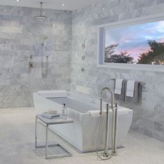 #Tinas #TinasFreestanding #Toto #bathroom #bathroomdesign #style #bathroomdecor Bathtub, Bathroom, Style, Bathroom Tubs, Standing Bath, Washroom, Swag, Bathtubs, Bath Tube