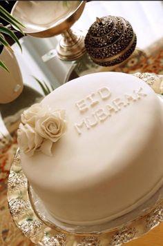 How To Live Like an Omani Princess: Decoration, Craft and Baking Ideas for Ramadan and Eid Eid Moubarak, Eid Cake, Eid Holiday, Ramadan Celebration, Eid Food, Ramadan Food, Eid Crafts, Eid Party, Cake Factory