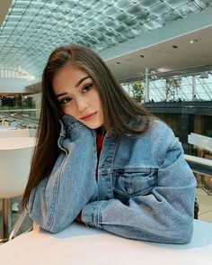 Selfie Poses For Girls Makeup Best Photo Poses, Girl Photo Poses, Girl Photos, Fashion Photography Poses, Tumblr Photography, Portrait Photography, Makeup Photography, Photography Ideas, Teenage Girl Photography