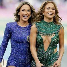 #JLo and #Claudia Leitte @Kara Burns opening #Brasil