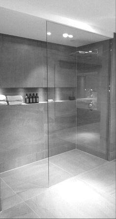 Modern Bathroom Ideas With Minimalist Decor 28 Inspirational Walk in Shower Tile Ideas for a Joyful Showering badezimmer Bathroom Design With Walk-In Shower And Freestanding Bathtub Modern Bathroom Design, Bathroom Interior Design, Minimalist Bathroom Design, Bathroom Designs, Modern Design, Shower Tile Designs, Walk In Shower Designs, Contemporary Bathrooms, Walk In Showers Ideas