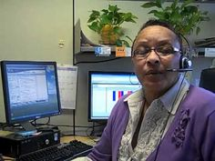Say hello to Marlene, one of the call specialists with the Missouri/Southwest Illinois United Way 2-1-1 call center.