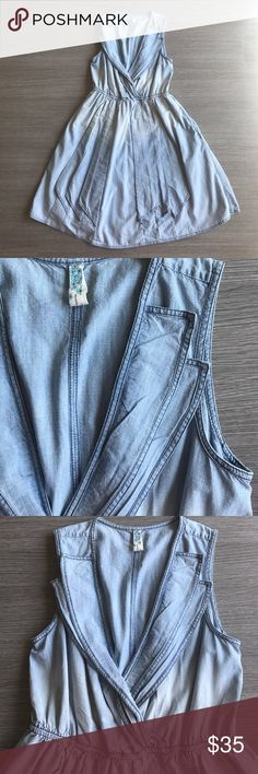 Anthropologie denim dress Gorg anthropologie denim dress. Re-poshing because it was a tad too small but it is SO cute!!! In perfect condition. And it has pockets!!!!😍 Anthropologie Dresses