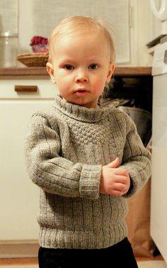 Ravelry: Pieni luotolainen pattern by Vilma Vuori - taille 2 ans Knitting For Kids, Crochet For Kids, Knitting Projects, Crochet Baby, Knit Crochet, Crochet Pattern, Baby Sweater Patterns, Knit Baby Sweaters, Baby Knitting Patterns